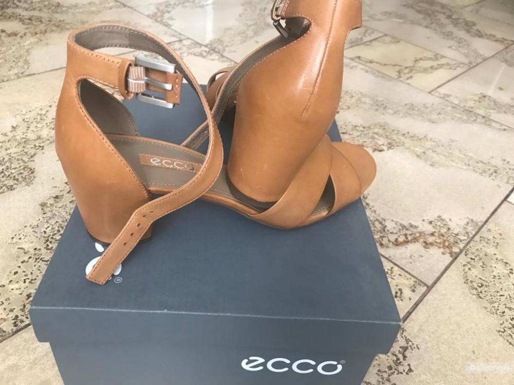 Босоножки ECCO, размер 40.