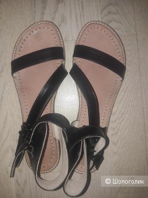 Кожаные сандалии Soon 40 размера