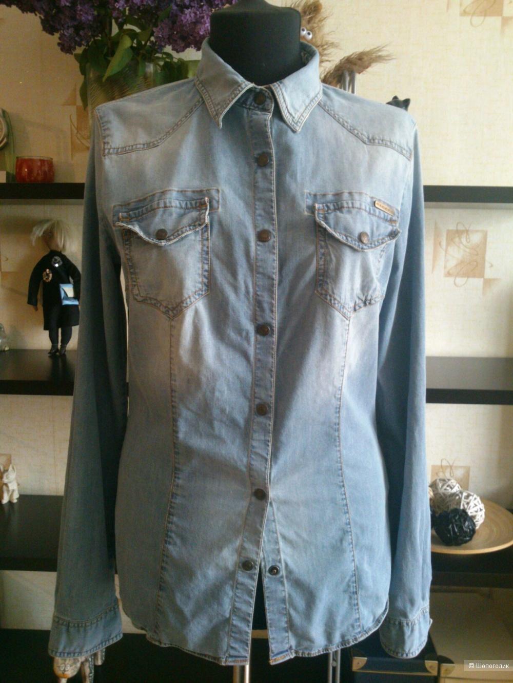 Джинсовая рубашка Sisley. Размер: М (на 42-44).