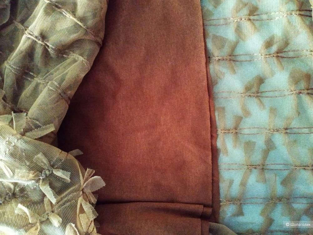Комплект : юбка,футболка,LIVE(Италия), размер М