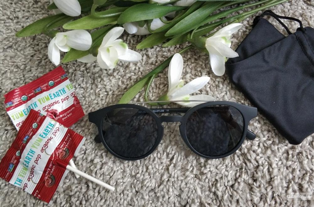 Очки солнцезащитные Uniqlo, 3 категория защиты