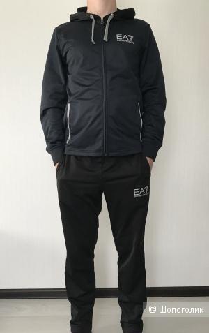Спортивный костюм EA7, размер S