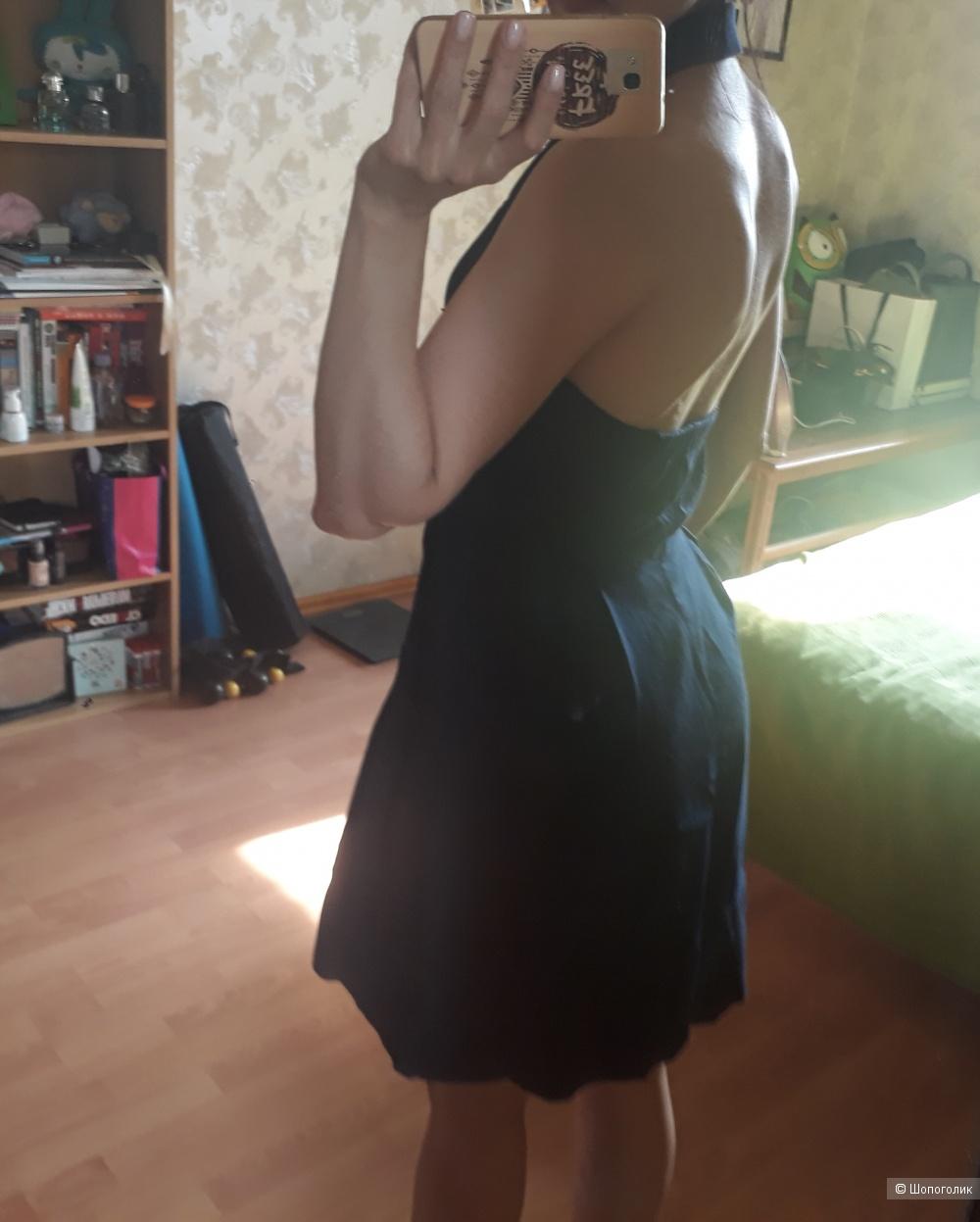 Платье Jessica Simpson (US 6)