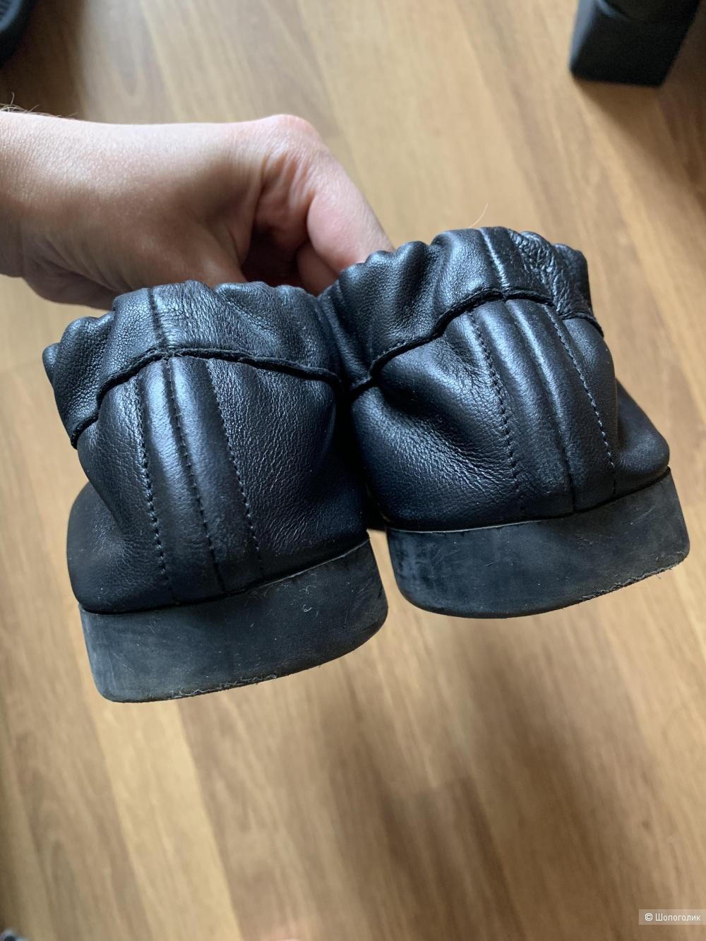 Кроссовки COS, размер 37
