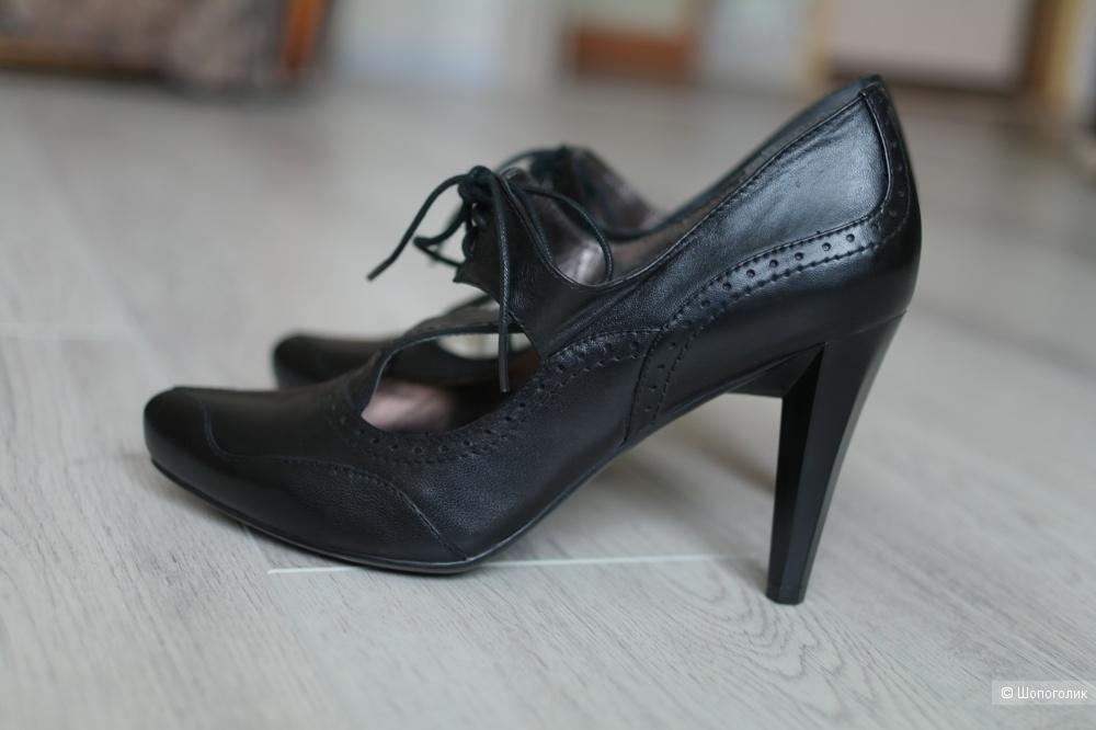 Женские туфли DORO размер37.