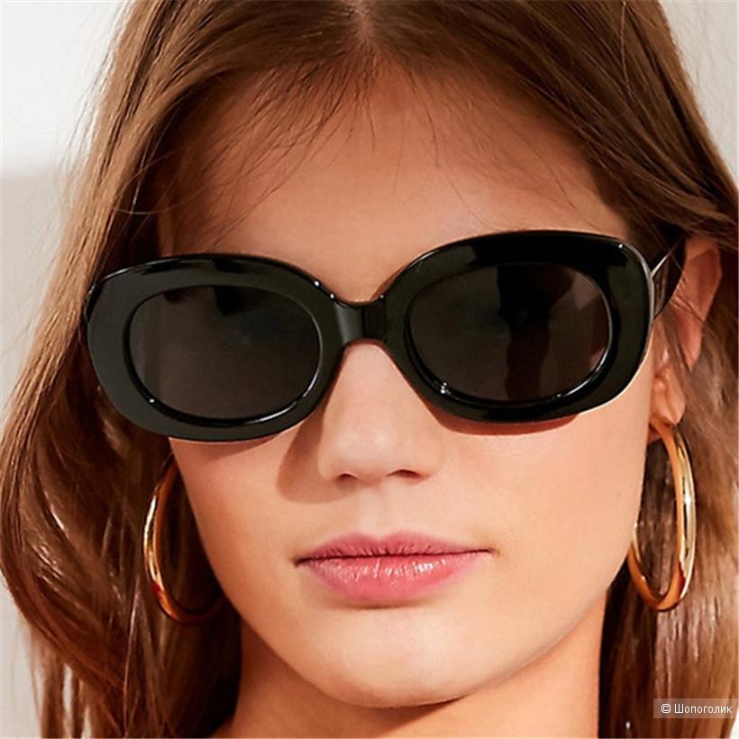 Солнцезащитные очки бренда Selena