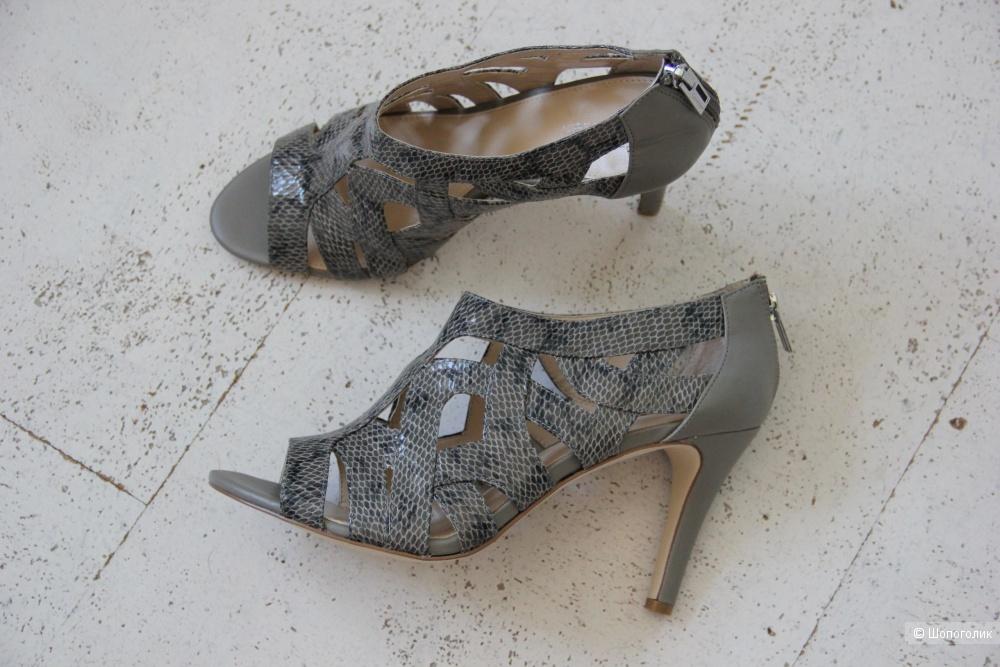 Calvin Klein туфли на 40-41 размер