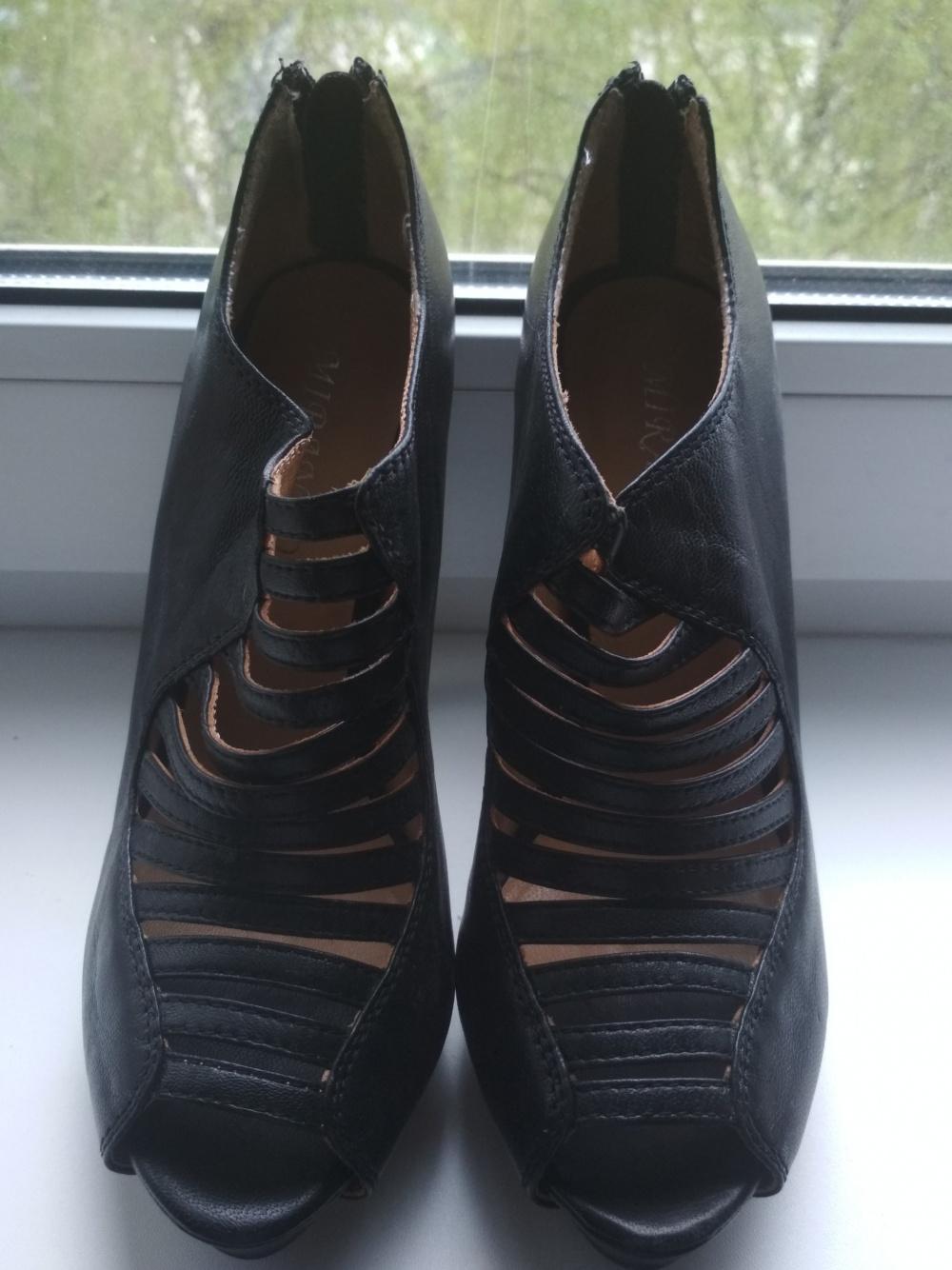 Новые кожаные босоножки Mirando 36 размер