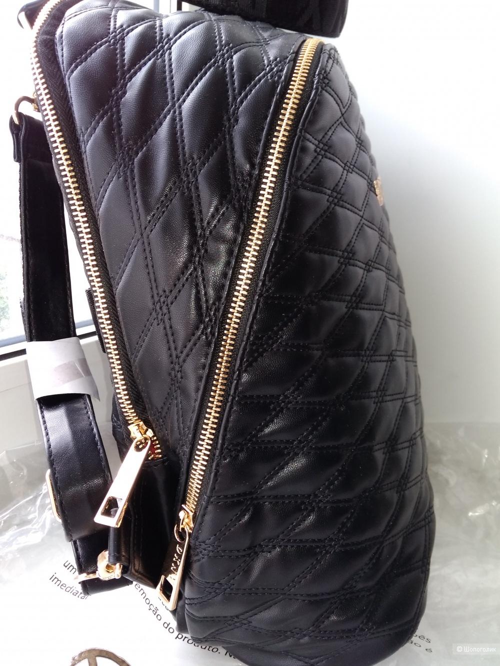 Рюкзак DKNY.