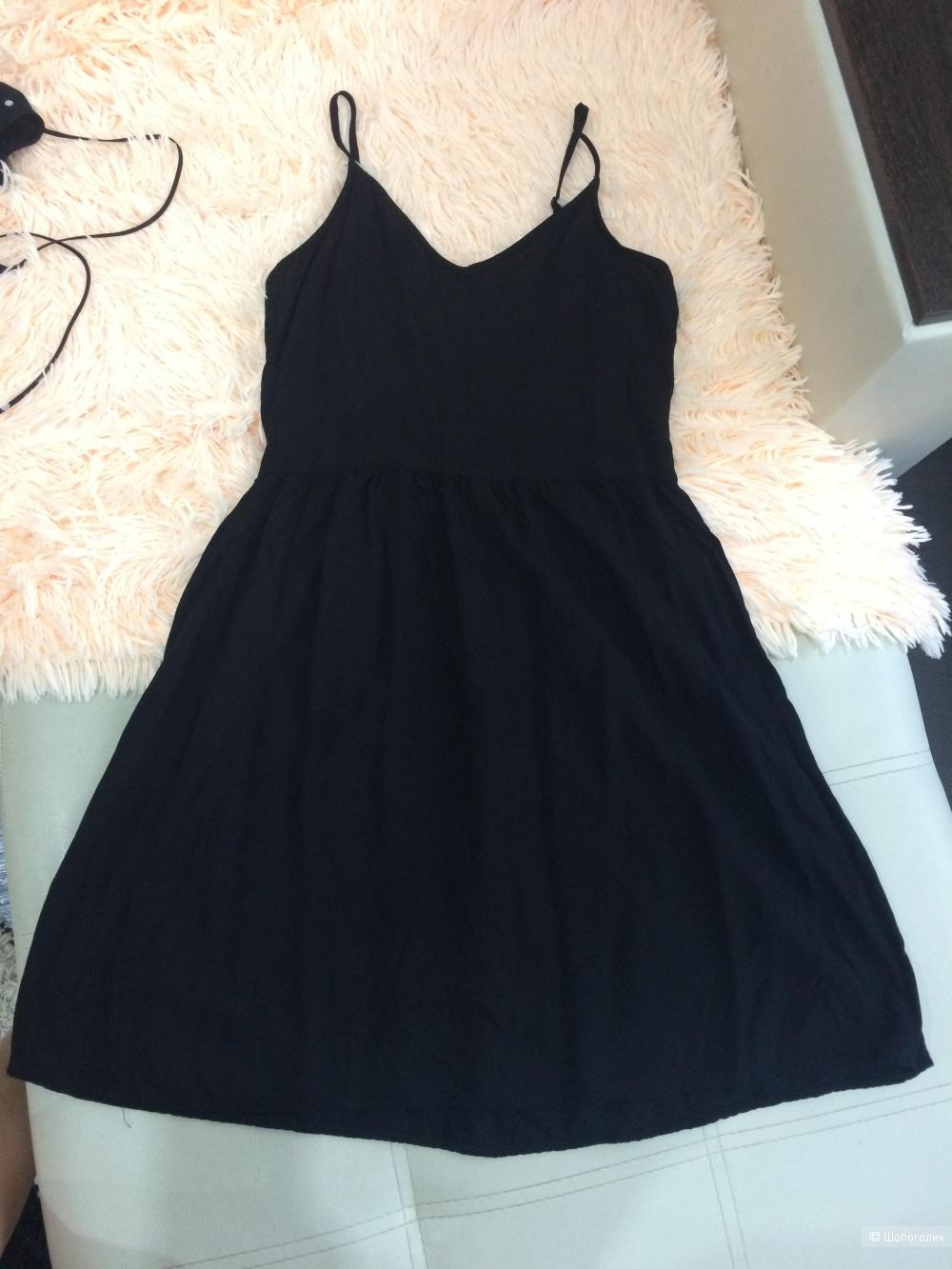 Комплект из двух платьев H&M 42-44 размер