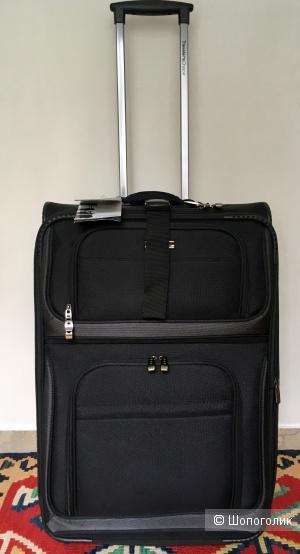 Чемодан Travelers Choice Conventional размер М