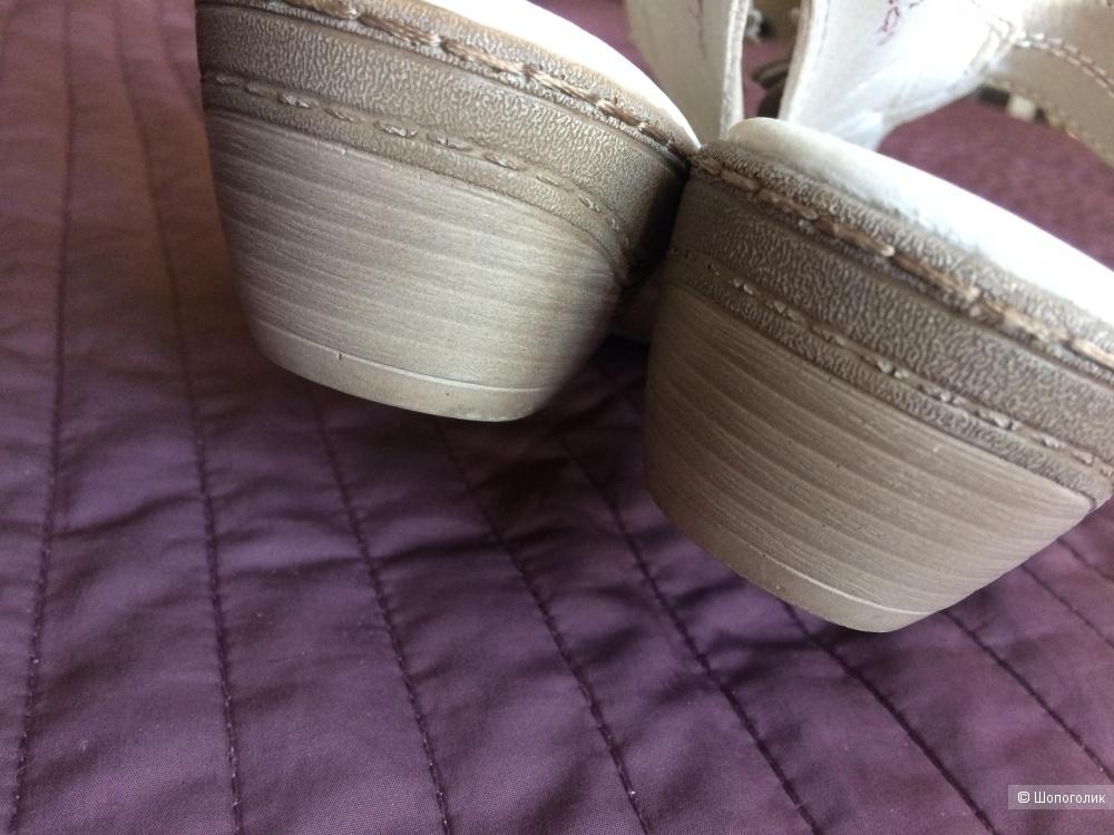 Туфли, закрытые босоножки Medicus 6 1/2 G. (39-40)