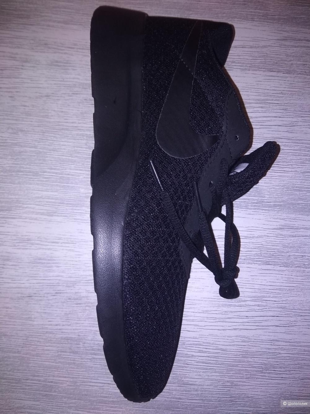 Кроссовки Nike Tanjun 41 размер