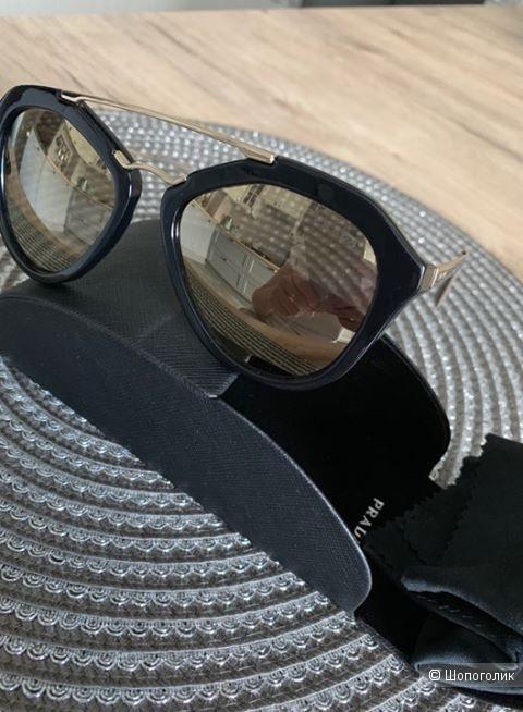 Солнцезащитные очки Prada,one size