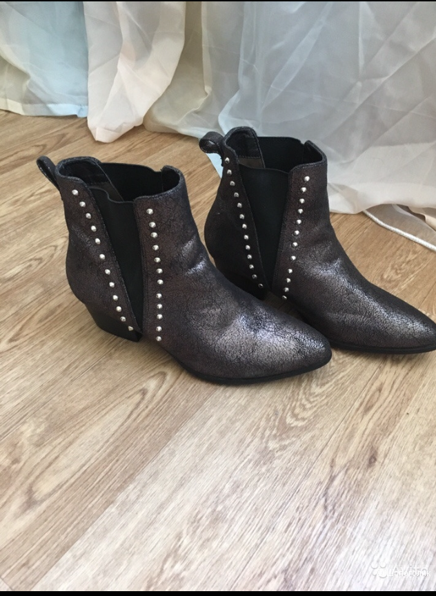 Ботинки Vanesssa Wu,39