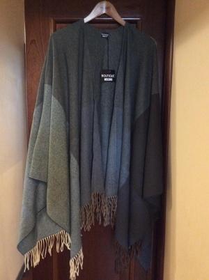 Накидка-палантин Moschino 75-155 см