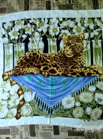 Платок Salvatore Ferragamo размер 87-87