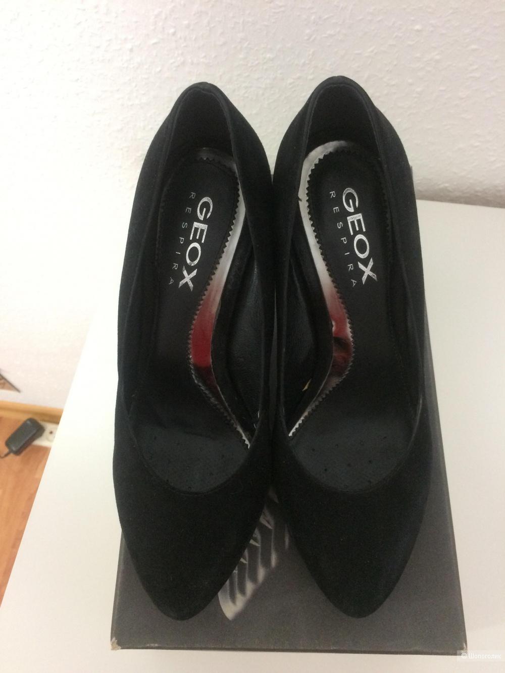 Женские замшевые туфли Geox 40 размер