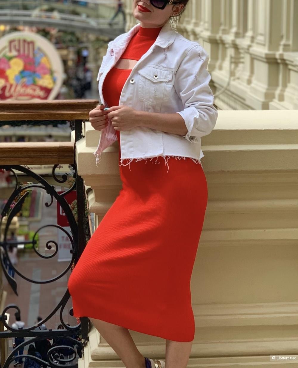 Zara платье . Размер S
