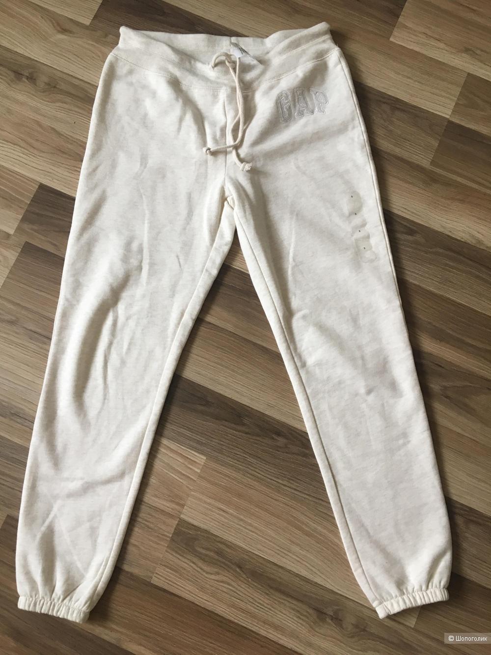 Спортивные штаны GAP размер S