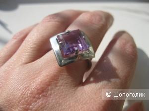 Серебряное кольцо с синтетическим аметистом