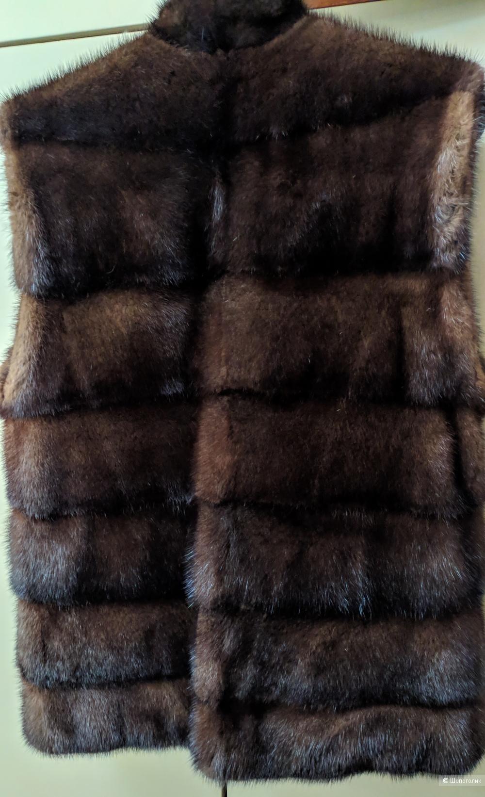 Норковая жилетка бренда Saga Furs Royal,  42-44 размер