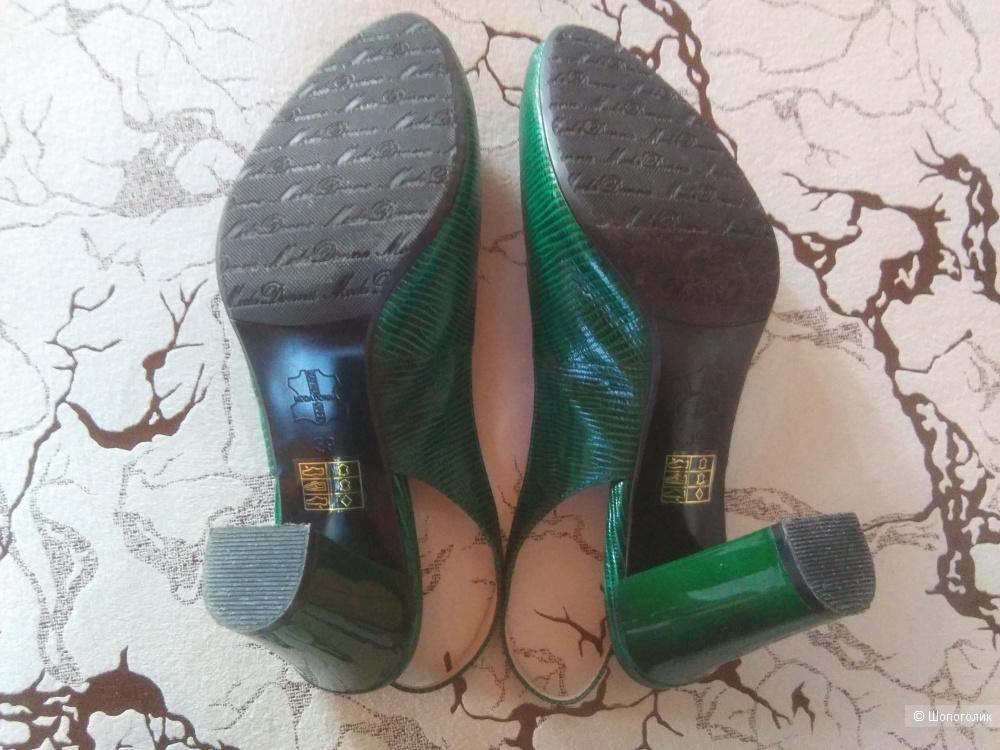 Туфли Moda Donna, размер 39