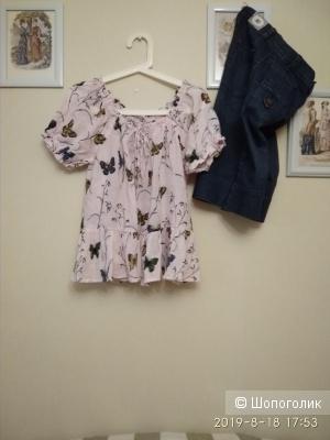Джинсы- бермуды (шорты) Jennifer Lopez, 26р.  и блуза Qianzhidu  р. 36.