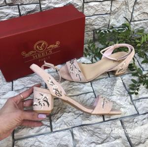 Босоножки Heels розовые 36/37 размер
