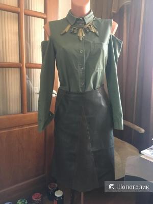 Сет: рубашка MOHITO, размер 36 и юбка ZARA, размер S.