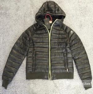 Куртка New Balance размер S