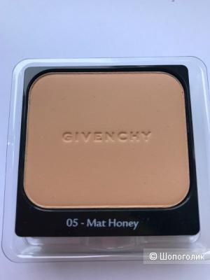 Пудра Givenchy Matissime Velvet Compact SPF20, тон 05.
