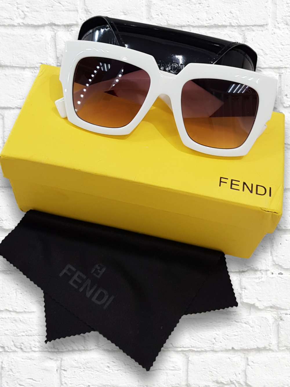 Очки Fendi overseas