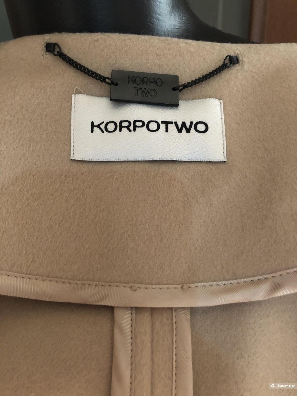 Пальто- кейп KOPROTWO 42it