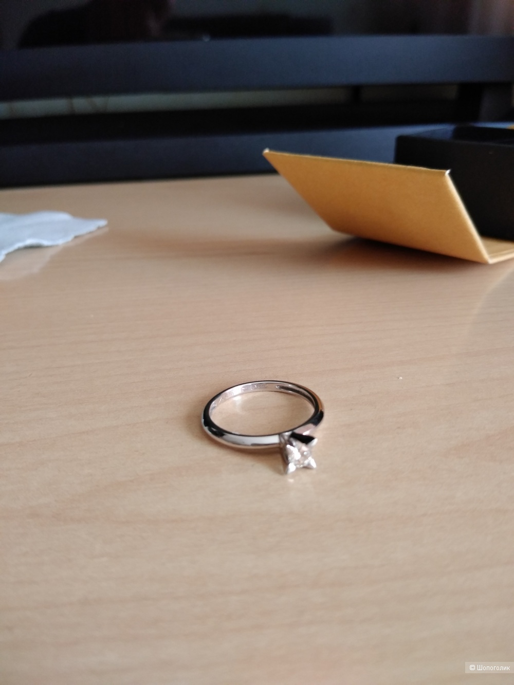 Кольцо из белого золота 585 с бриллиантом 0,20 ct (4 мм), размер: 17,5.