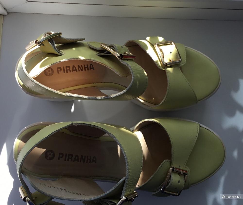 Кожаные босоножки Piranha, 37 размер