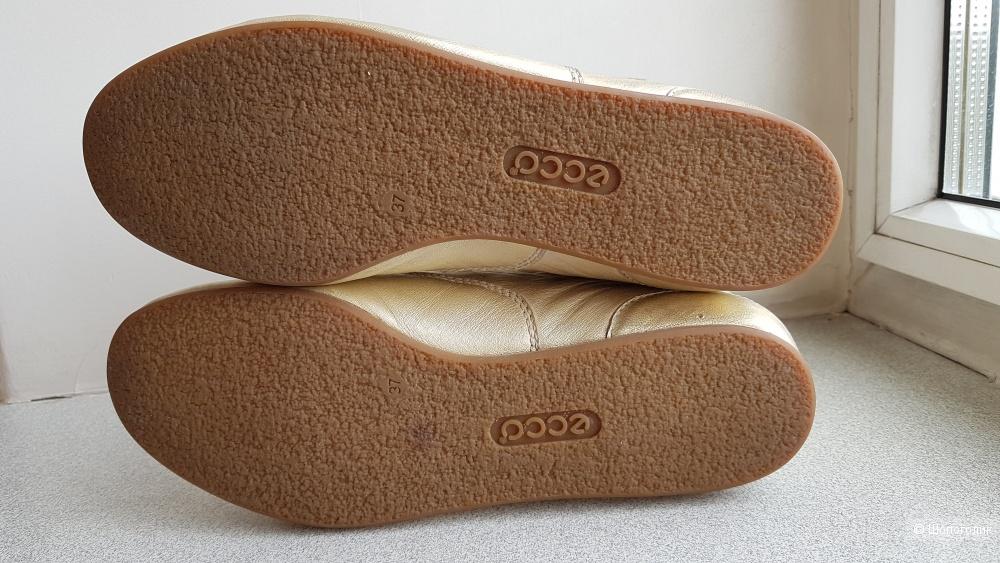 Кожаные кроссовки ECCO, размер 37