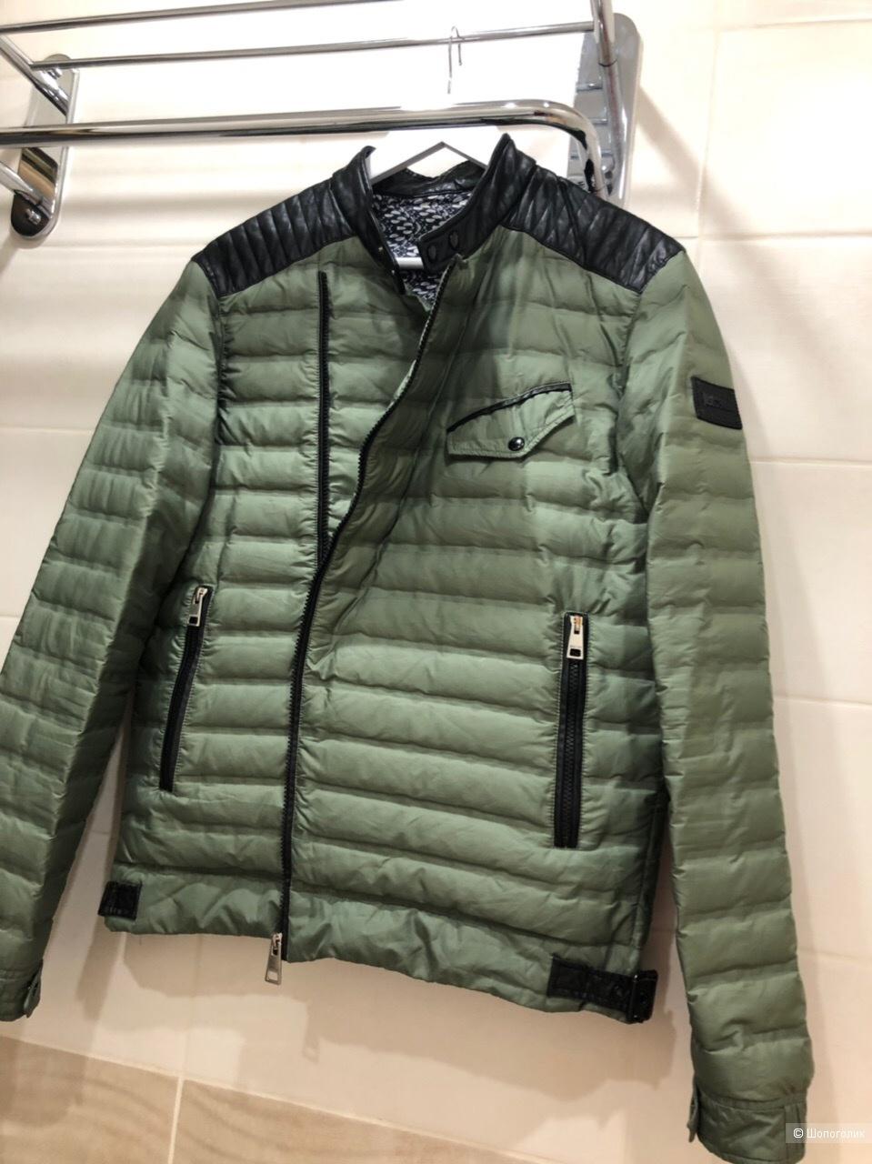 """Куртка  """"Just Cavalli """" Размер M-L."""