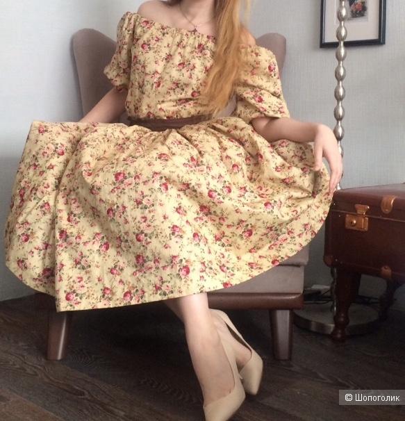 Пристрою платье от Le Palais Vintage, купленное в порыве шопоголизма и так и не нашедшее места в моем гардеробе.  Размер   44, но за счет пояса и модели пошива подойдёт на размеры с 44 по 48