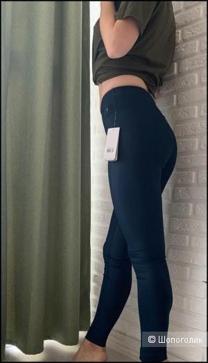 Спортивные леггинсы New Balance  размер S