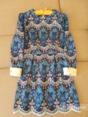 Платье Valentino с шитьем, размер 42-44
