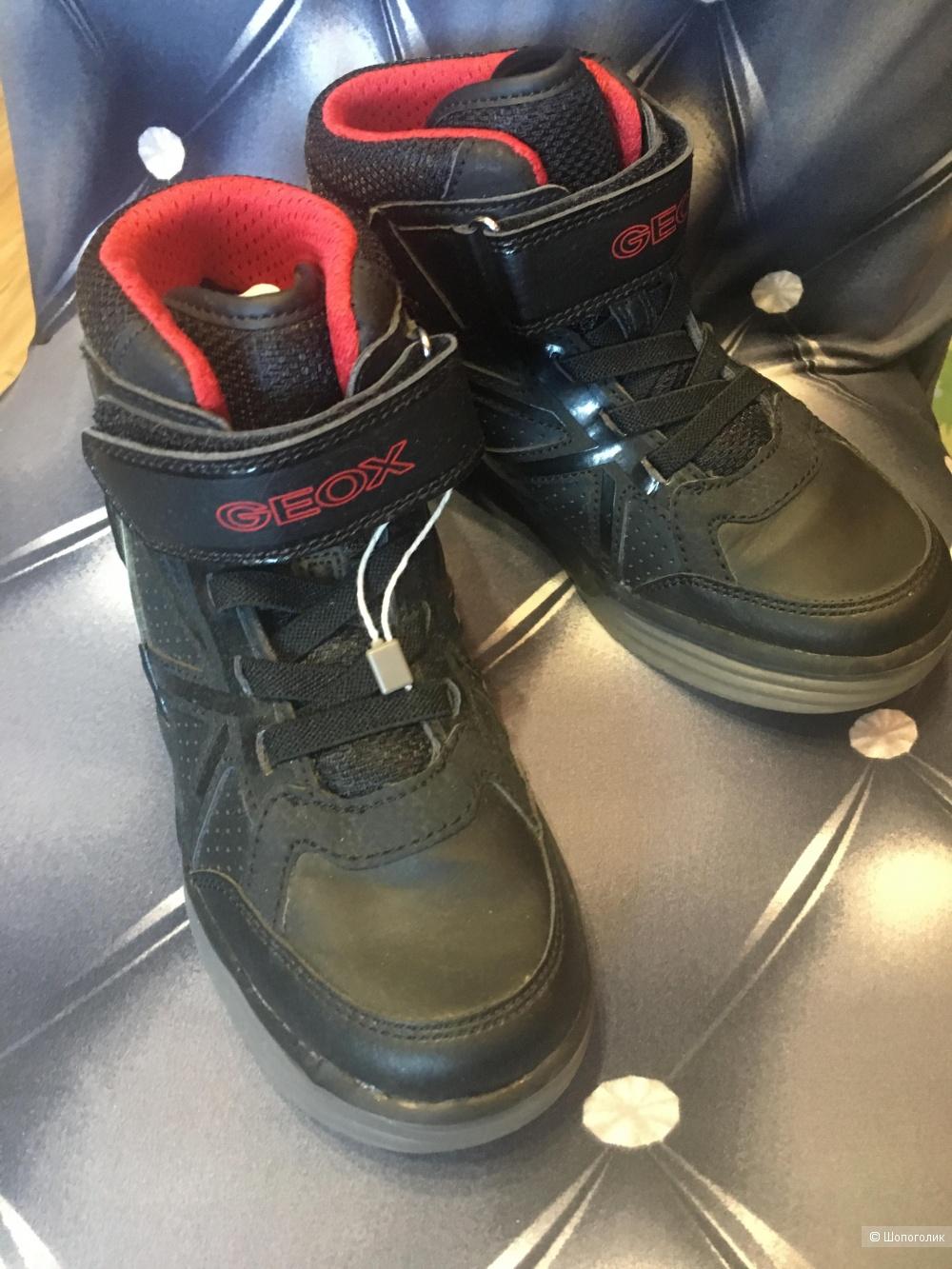 Светящиеся ботинки Geox для мальчика, размер 33, по стельке 21 см