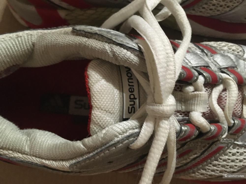 Кроссовки Adidas Supernova, размер US 7, UK 5,5, 37,5