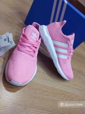 Кроссовки Adidas  37 и 38-39 размер