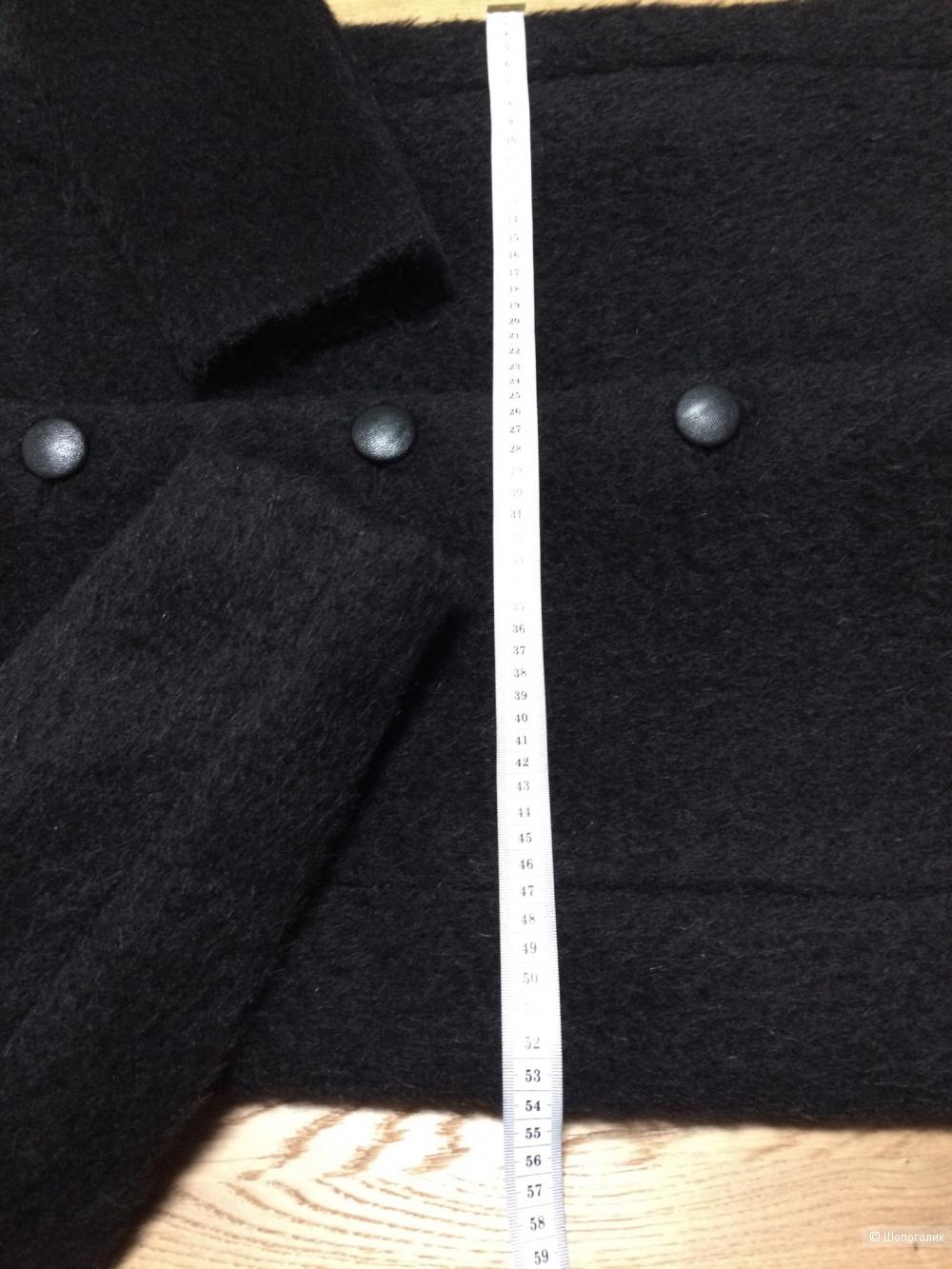 Пальто A.D.E.L.E.1961 размер 44-46