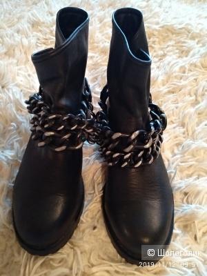 Ботинки Patrizia Pepe. 37 размер