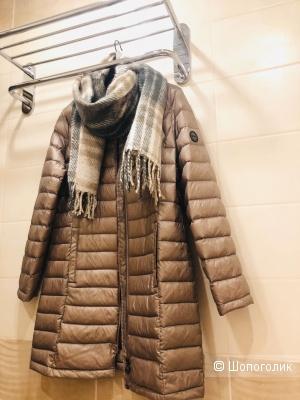 Пуховик-пальто  CALVIN KLEIN Размер 44-48.