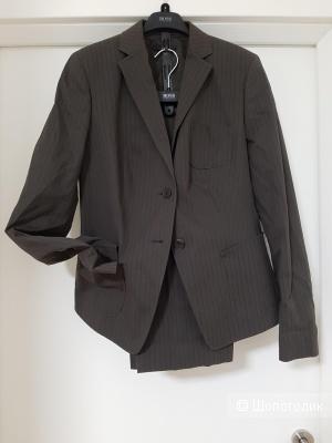 Женский брючный костюм Hugo Boss, размер 46/48.