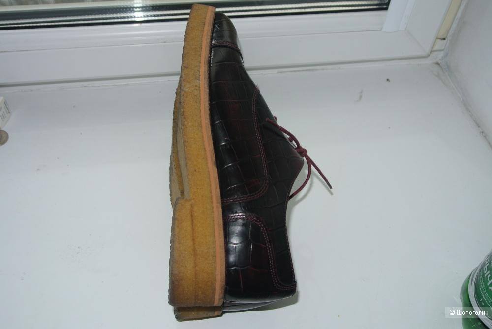 Новые кожаные туфли  burgundy croco shoes H&M premium quality 39 размера