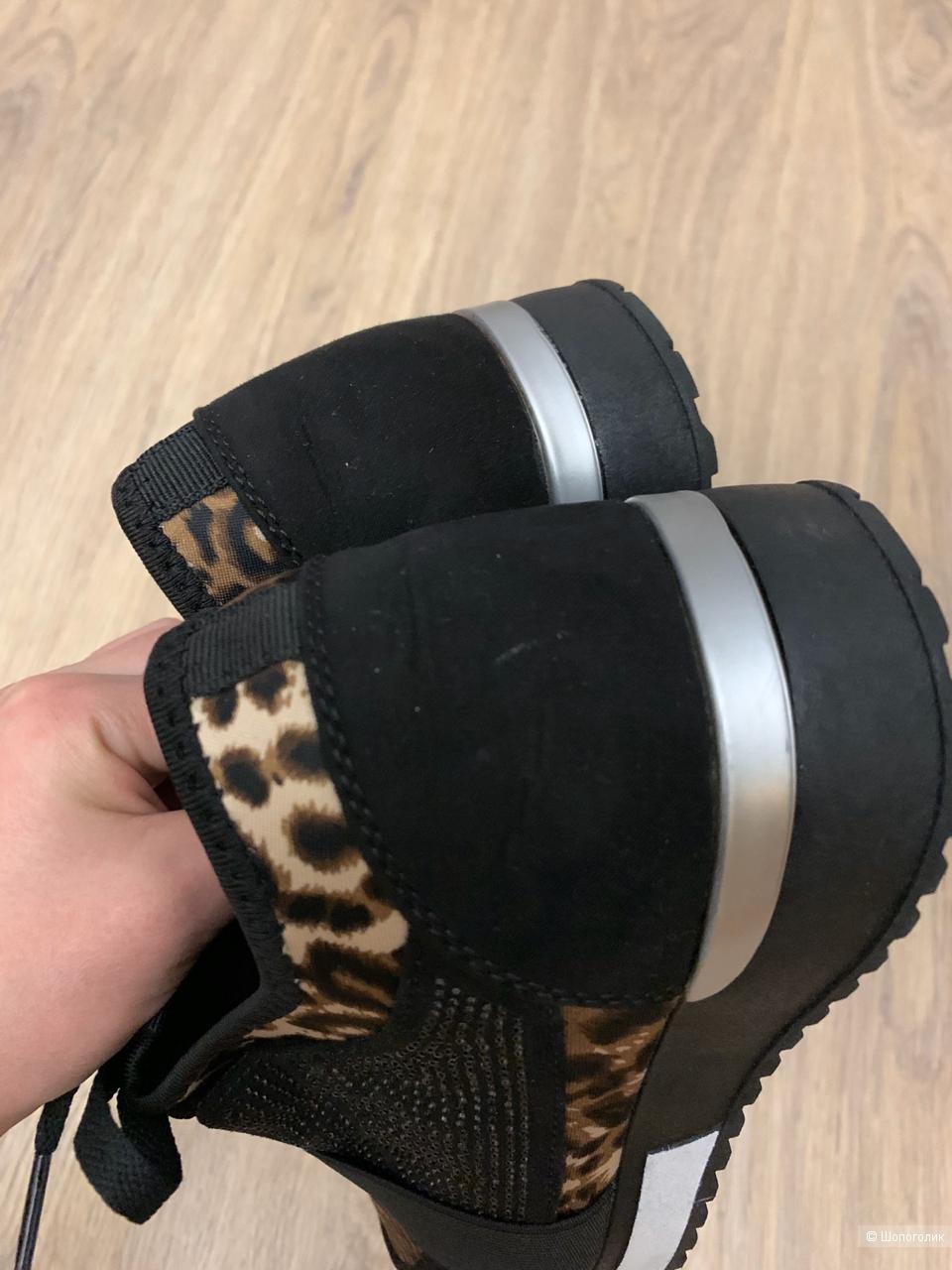 CLAUDIA GHIZZANI кроссовки 39